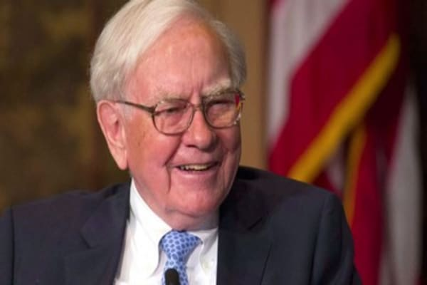 Warren Buffett's big bank score proves his saying true once again: 'Be greedy when others are fearful'