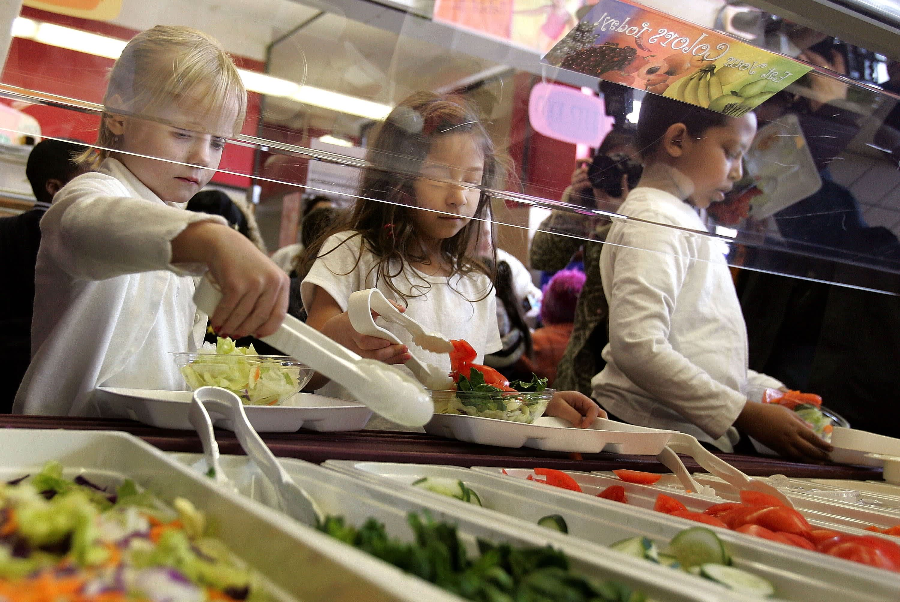 Lunch Lady Denies Food to First Grader Who Cant Afford It Lunch Lady Denies Food to First Grader Who Cant Afford It new images