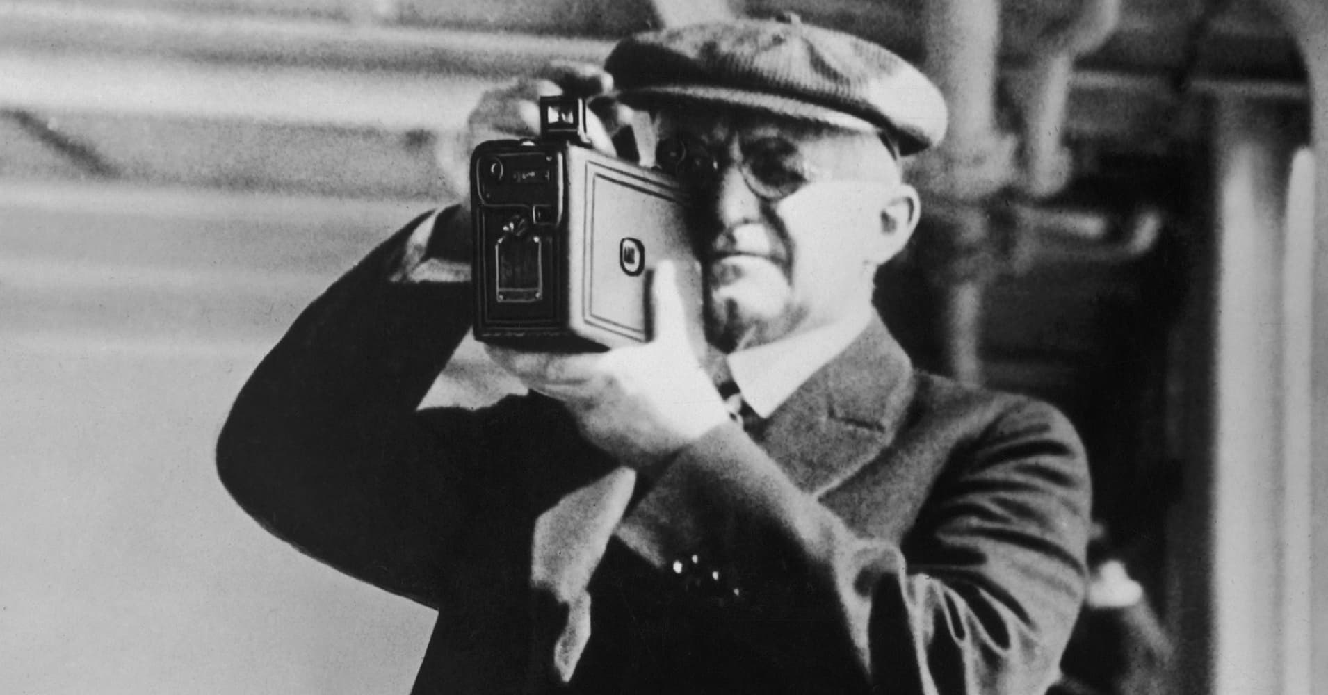 eastman kodak changeover Why eastman kodak company stock is plummeting shares of the photography-company-turned-cryptocurrency-issuer are dropping as investors worry about when its initial.