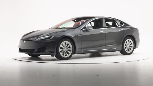 Tesla Model S Fails To Top IIHS Crash Test Again