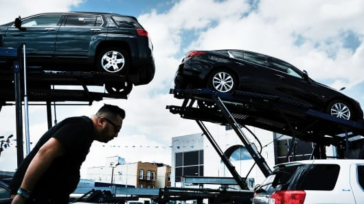 US auto sales are expected to drop below 17 million for first time since 2014
