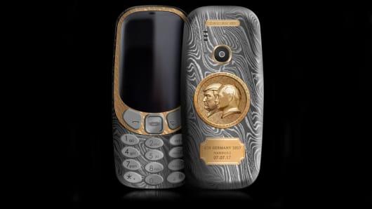 Handout: Putin phone