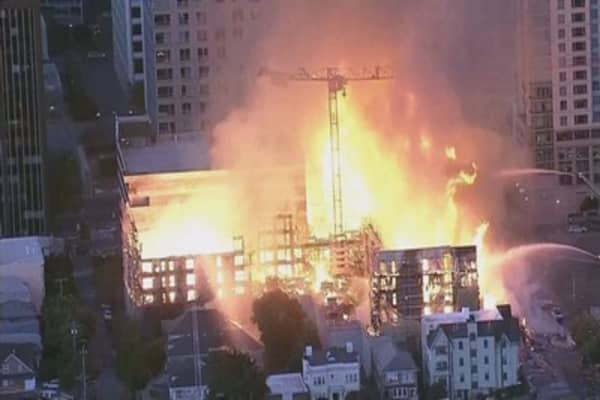 A massive fire is consuming a construction site in Oakland: Reports