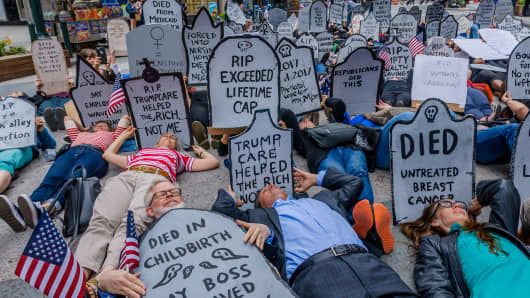 Health providers, patients, grassroots organizers and concerned New York residents organized a Die-In against Trumpcare and for affordable coverage for all on June 4, 2017.