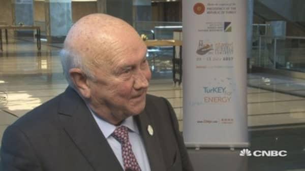 Corruption is a worldwide problem, says FW de Klerk