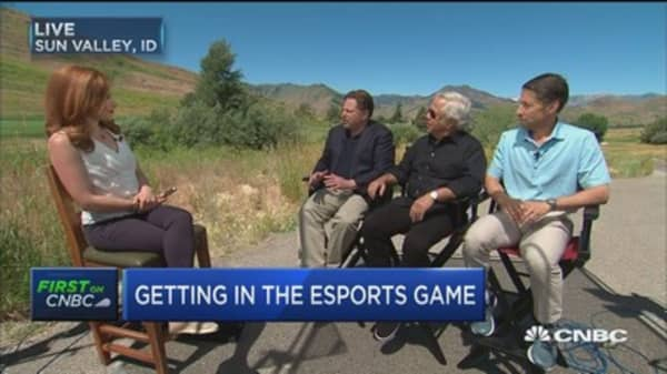 Patrot's Robert Kraft and NY Met's Jeff Wilpon among first owners is esports Overwatch League