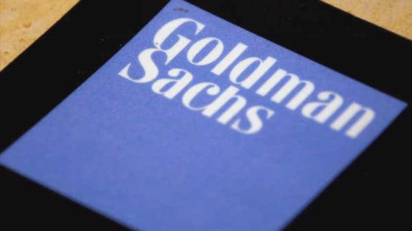 Goldman Sachs relaxes dress code for techs in fight for talent