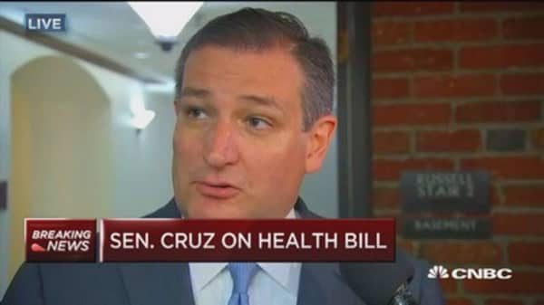 Senator Ted Cruz adds ability for insurers to offer bare-bones, cheaper options to health-care bill