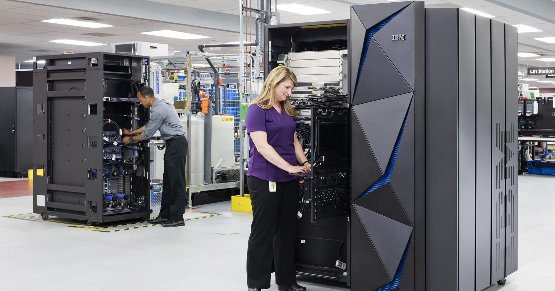 IBM unveils new mainframe capable of running more than 12 ...
