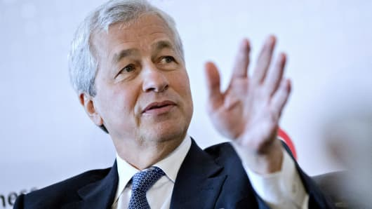 Boomer Dad Jamie Dimon Can't Stop Trashing Bitcoin