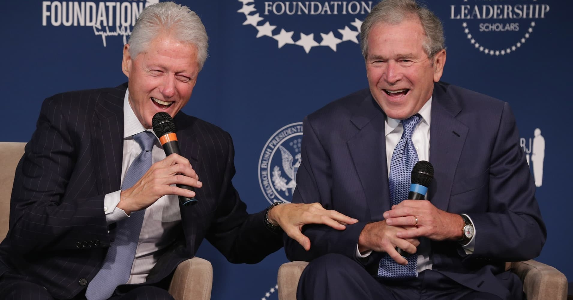 Former U.S. presidents Bill Clinton and George W. Bush at an event launching the Presidential Leadership Scholars program in 2014.
