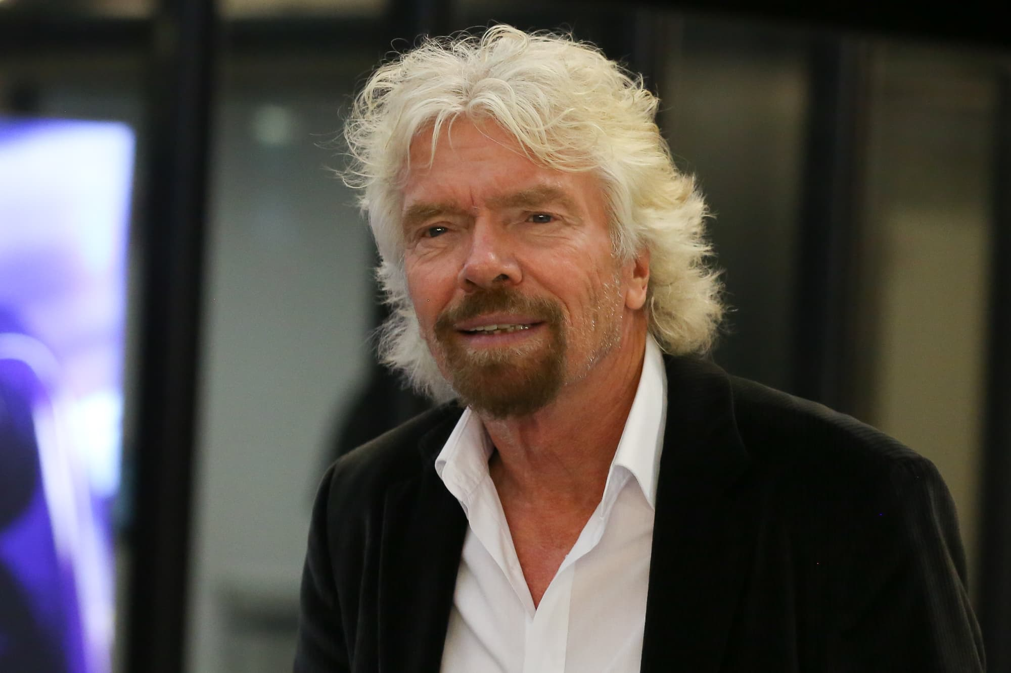 billionaire richard branson says 9to5 workdays will - HD 2000×1333
