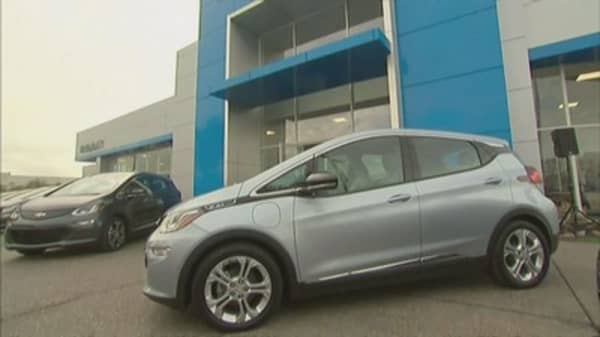 GM extends shutdown at Chevy Bolt plant as inventories swell