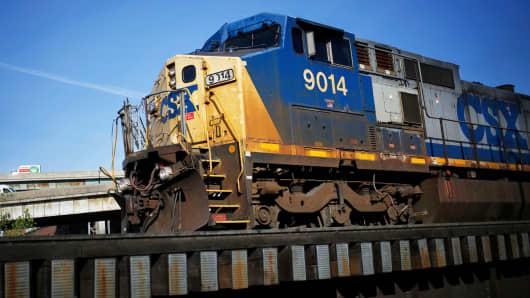 A CSX coal train heads south toward the Ohio River in Cincinnati, Ohio.