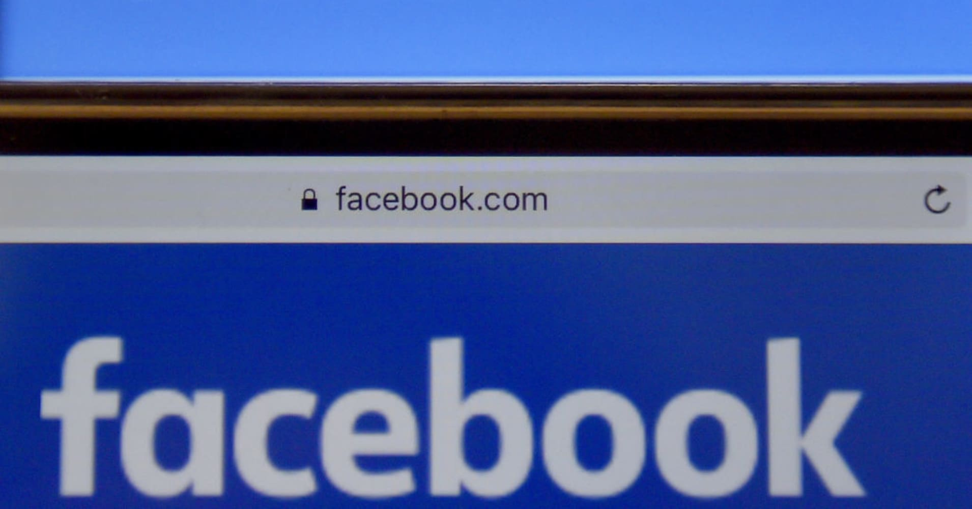 The solution to Facebook's ad problem may be taking cues from TV, author says