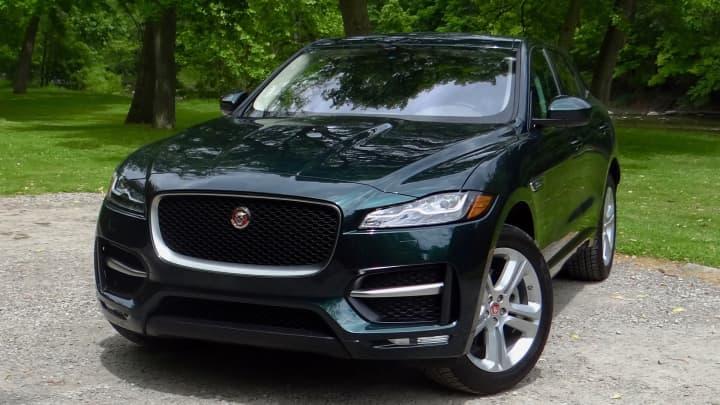 Jaguar F Pace 1