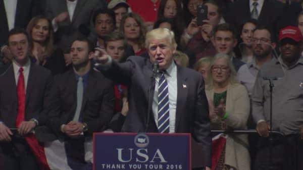 Trump's spokesman for his outside legal team resigns