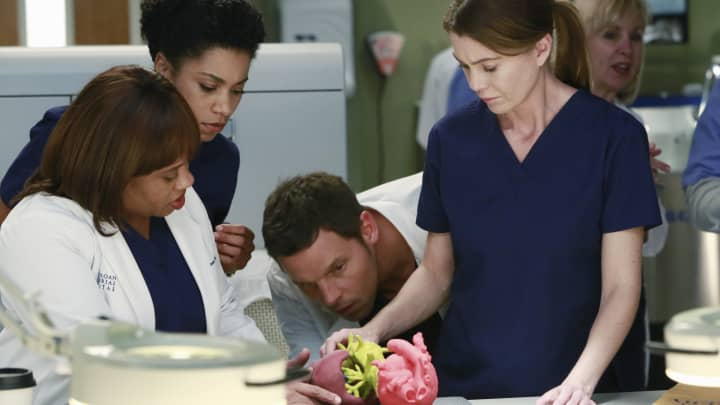 A scene from the TV show Greys Anatomy.