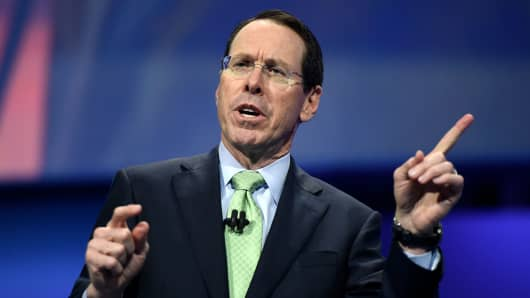 AT&T shares rise more than 2% as company beats earnings expectations