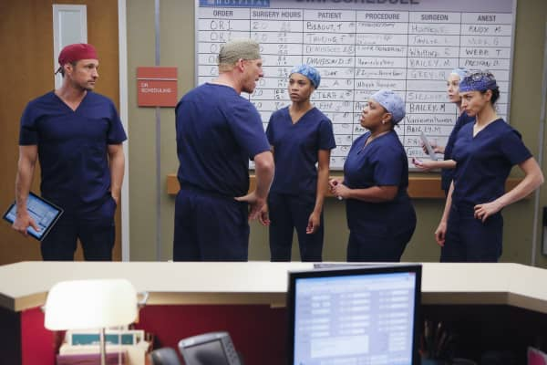 Doctors from Grey's Anatomy work on a high stakes case, adding additional pressure to a tense environment.