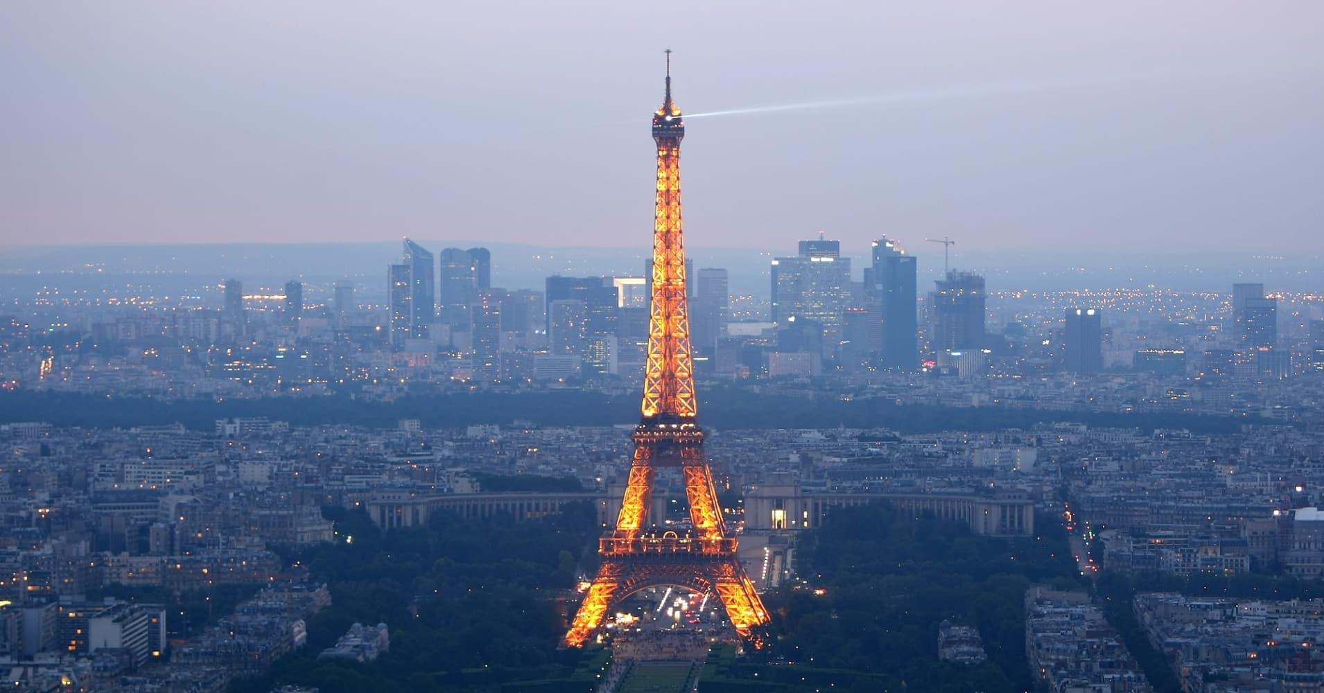 81033500MH009_Eiffel_Tower