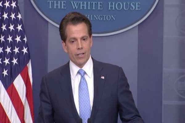White House's Scaramucci calls airing of financial form a 'felony,' then removes post