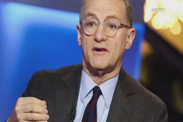 Billionaire investor Howard Marks says bitcoin is a 'pyramid scheme'