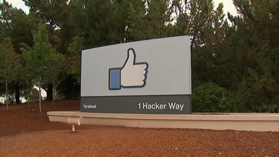 Hundreds of Facebook cafeteria workers demand a raise