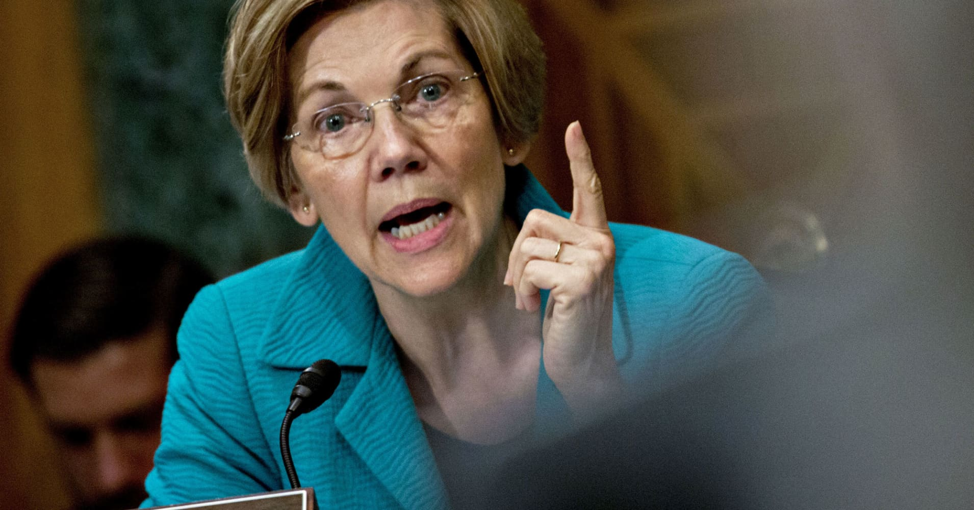 Elizabeth Warren urges Fed to 'step up' and remove Wells Fargo's board