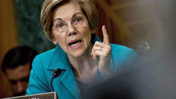Senator Elizabeth Warren, a Democrat from Massachusetts, questions Randal Quarles, governor of the U.S. Federal Reserve nominee during a Senate Banking Committee nomination hearing in Washington, D.C., on Thursday, July 27, 2017.