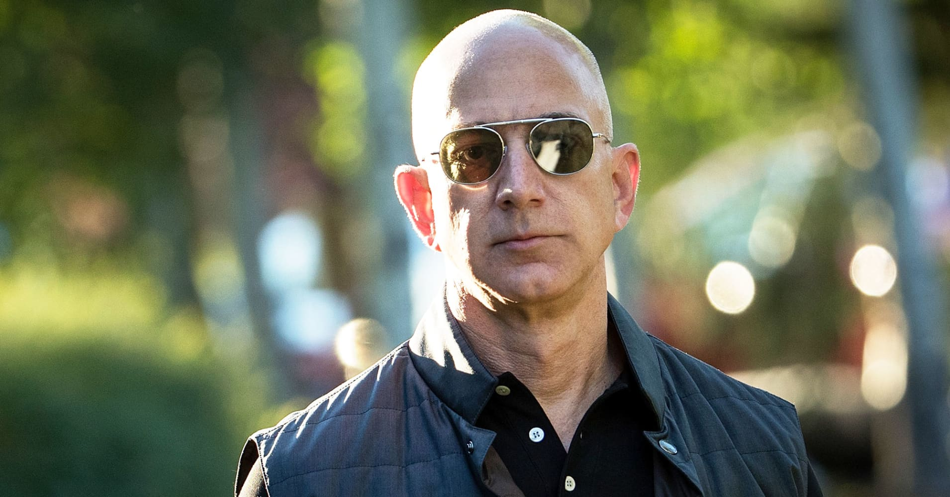 Jeff Bezos and Bill Gates both do this mundane chore that may have significant mental benefits