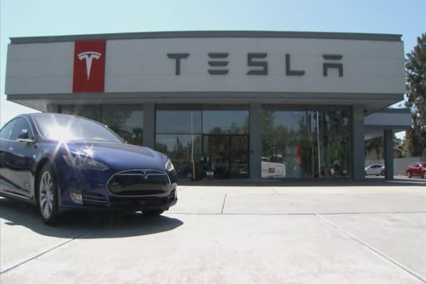 A key government perk for Tesla buyers is running out, says Edmunds