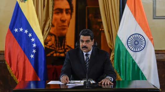 Venezuela's President Nicolas Maduro delivers a sppech after signing agreements with India's oil and gas company ONGC, at the Miraflores presidential palace in Caracas on November 4, 2016.