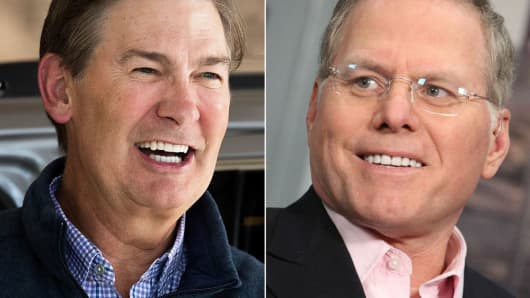 Scripps Networks Interactives CEO Kenneth W. Lowe, left and Discovery CEO David Zaslav