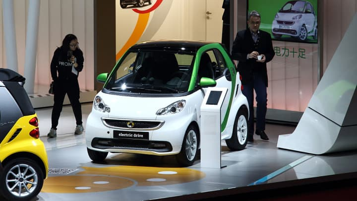 Smart fortwo electric drive vehicle on display at the 16th Shanghai International Automobile Industry Exhibition (Auto Shanghai 2015) in Shanghai, China, on Tuesday, April 21, 2015.