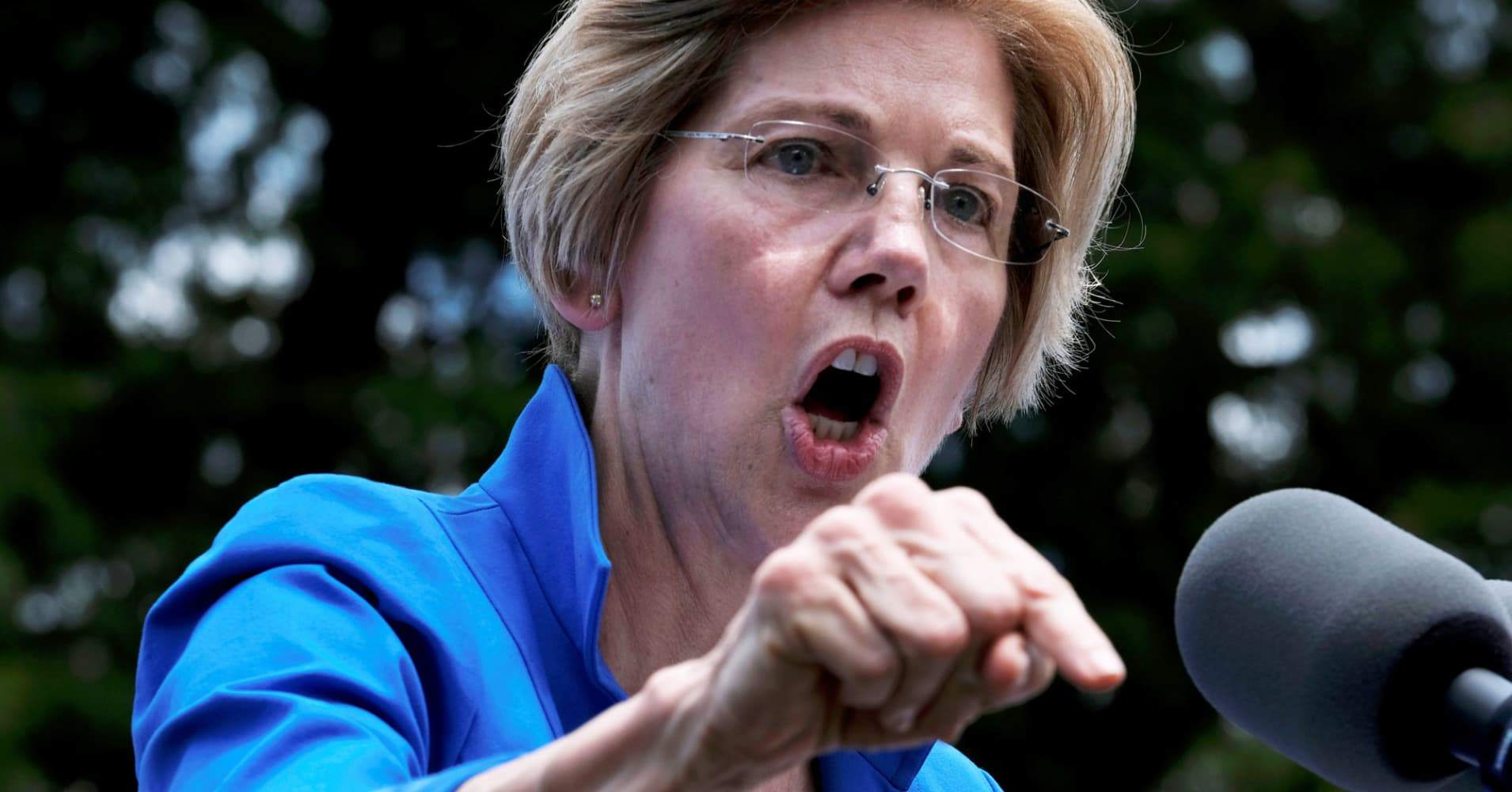 Elizabeth Warren proposes fossil fuel lease ban on federal lands