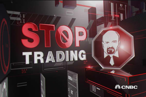 Cramer's Stop Trading: Simon is a good story