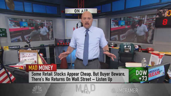 Cramer tracks the telltale signs of retailers entering an Amazon-free zone