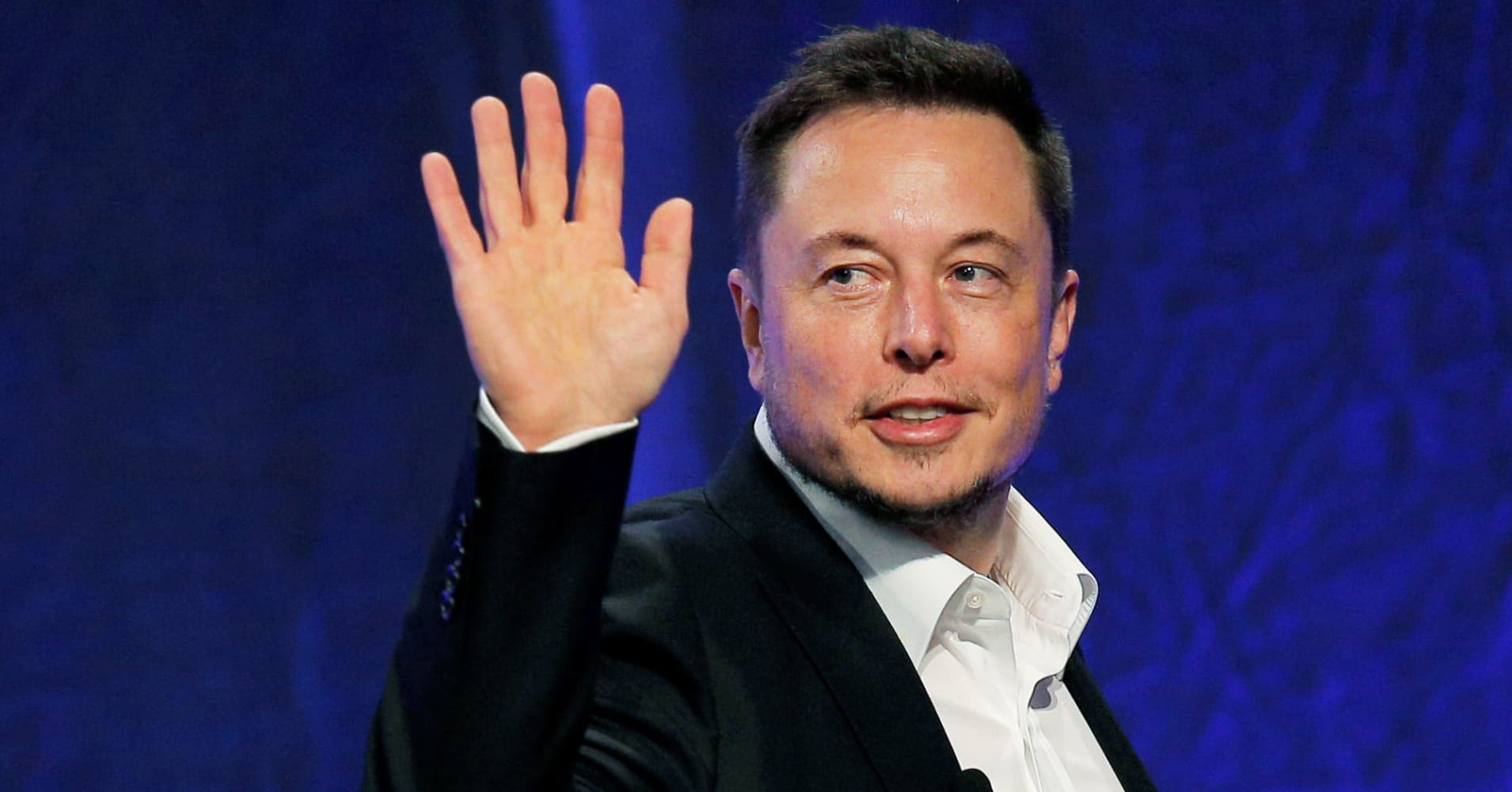 "Tesla CEO Elon Musk announced Wednesday that the company's ""unreal"" semi truck was tentatively set to be unveiled in October."