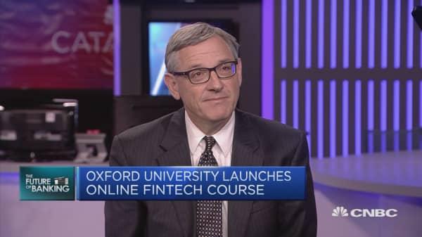 Oxford University launches fintech course