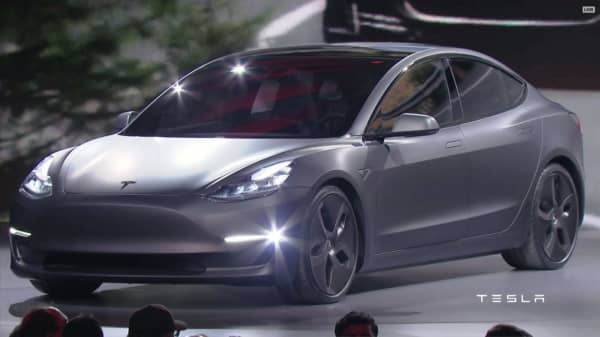 Hedge funds set to lose hundreds of millions on wrong-way bet against Tesla