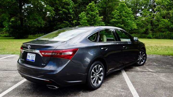 CNBC Tech: 2017 Toyota Avalon 6