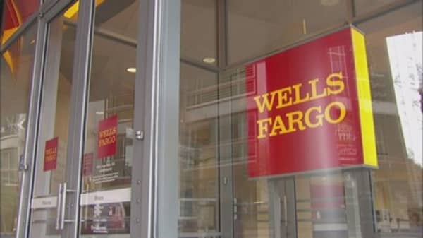 Wells Fargo shares fall after filing warns may find 'significant increase' in unauthorized accounts