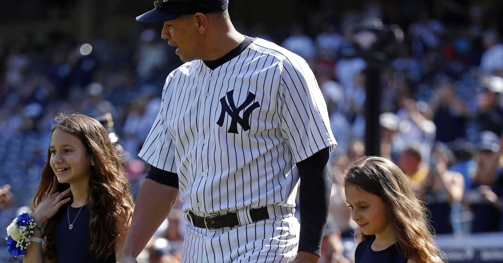 Former Yankee Alex Rodriguez and his daughters, Natasha and Ella