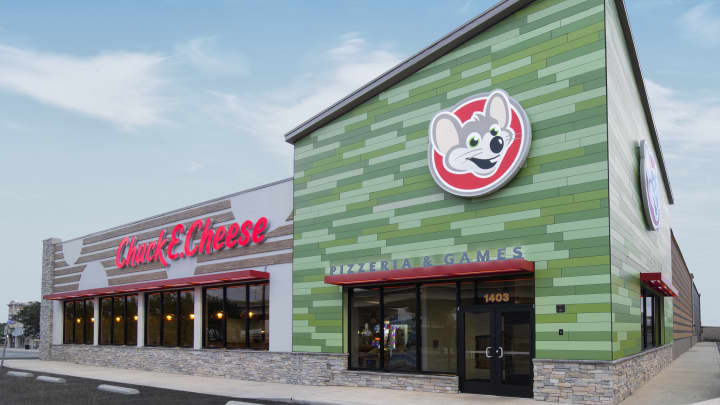 Chuck E. Cheese's remodeled exterior