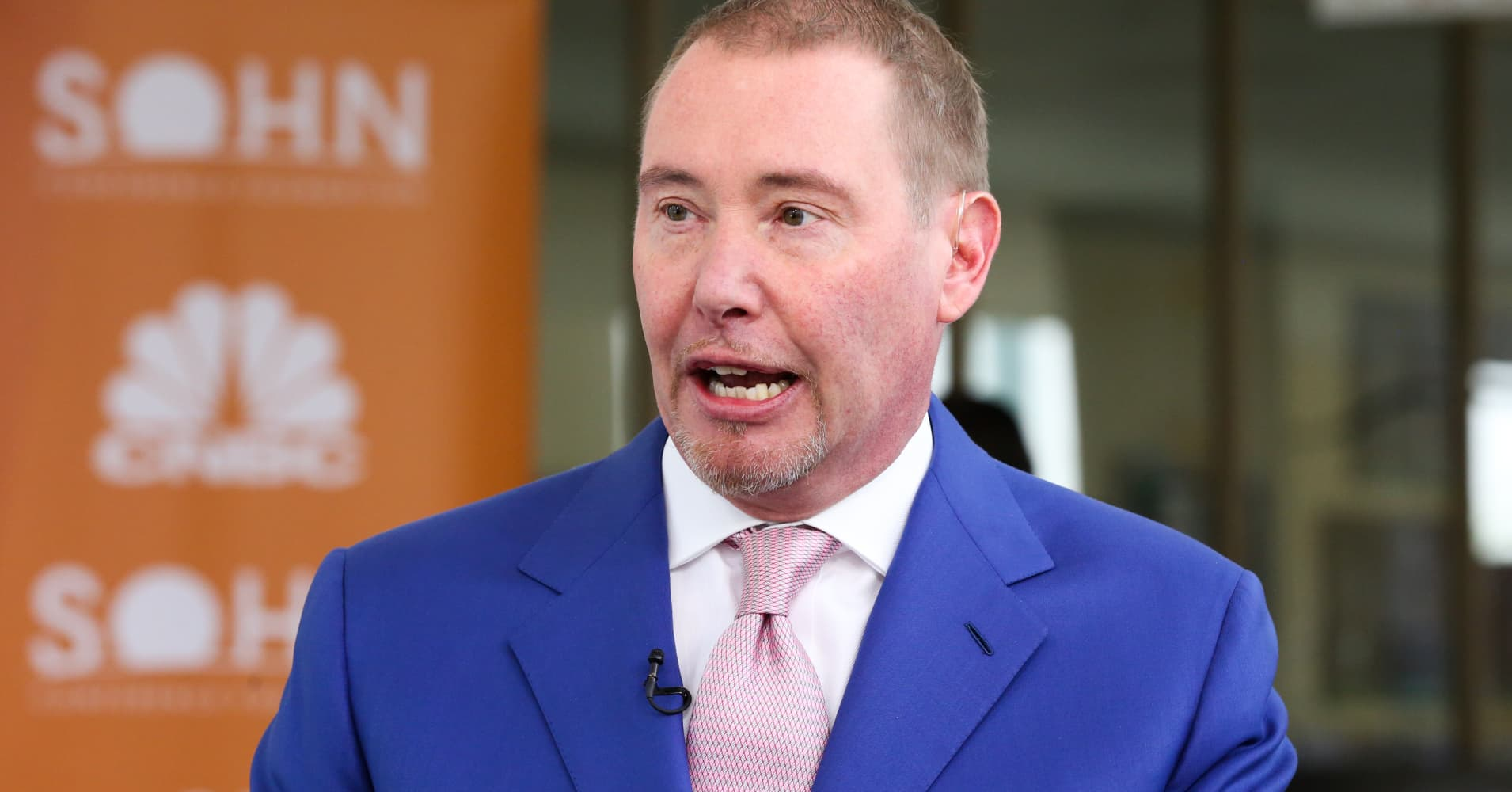 Bond King Jeffrey Gundlach says we just got 'the most recessionary signal' yet