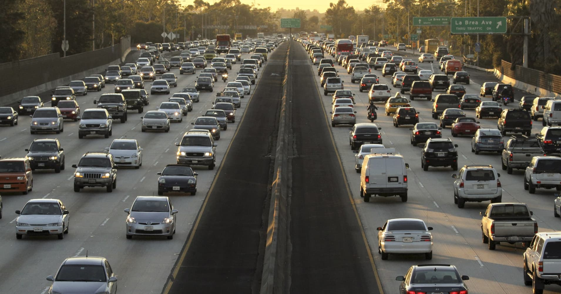 Americans face high gas prices, crowded roads this Memorial Day weekend