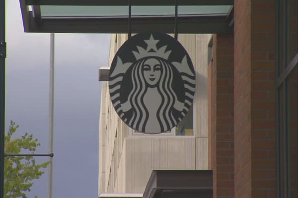 Starbucks saturation fears: Each store now has almost 4 other Starbucks within 1 mile