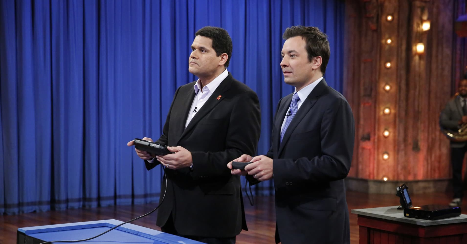 Reggie Fils-Aime and NBC Late Night host Jimmy Fallon playing Nintendo Wii U