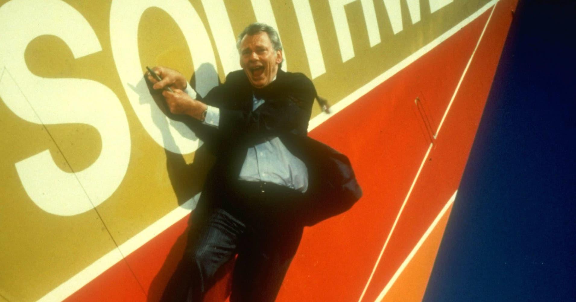 Southwest Airlines founder Herbert Kelleher dies at age 87